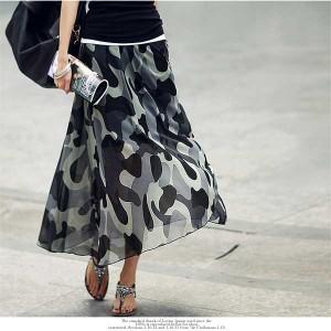 シースルースカートのシースルーの透け感がセクシーな大人スタイルに!